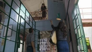 Elias leva Rania ao centro de refugiados - Rania e Missade se reencontram