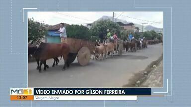 VC no MG: Cavaleiros, ciclistas e carros de boi desfiram em Vargem Alegre - Com trilha sonora e alegria, os moradores desfilaram pelas ruas da cidade.