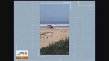 Giro: Bombeiros retomam buscas por adolescente que desapareceu em praia de Jaguaruna - Giro de notícias: Bombeiros retomam buscas por adolescente que desapareceu em praia de Jaguaruna