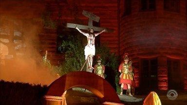 Encenação da Paixão de Cristo é atração em Imigrante e Venâncio Aires - Espetáculos encantaram fiéis.
