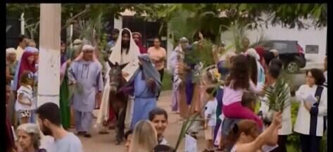 Cidades do Centro-Oeste de Minas celebram o Domingo de Ramos - Confira as celebrações em Divinópolis Araxá, Oliveira e a programação da Semana Santa em Carmo do Cajuru.