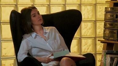 Larissa pensa em Diego - A jovem relembra alguns momentos com o jovem
