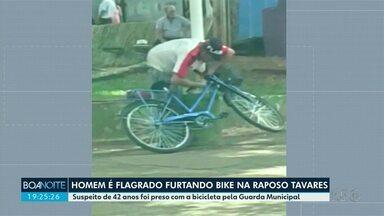 Homem é flagrado furtando bicicleta - Guardas Municipais conseguiram prendê-lo por furto qualificado
