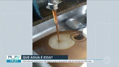Moradores reclamam de água suja e barrenta nas torneiras em Mendes - Segundo eles, ela está chegando com uma coloração amarela e imprópria pro consumo. Informaram ainda que quando chove, a situação piora, porque a água que junto com barro.
