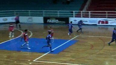 Fora de casa e de virada, Mogi Futsal goleia o Yoka pela Copa Paulista - Time de Mogi das Cruzes sai atrás do placar, mas consegue a recuperação e vence por 4 a 1, nesta quarta-feira, em Guaratinguetá, pela sexta rodada da competição estadual.