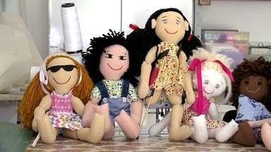 Menina de dez anos cria bonecas inclusivas - Geovana percebeu que todas as crianças gostariam de ter uma amiga de brinquedo com a qual pudessem se identificar.