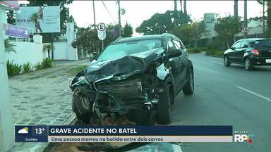 Acidente grave deixa um pessoa morta durante a madrugada em Curitiba - O cinto de segurança de uma dos carros não suportou a força da batida.