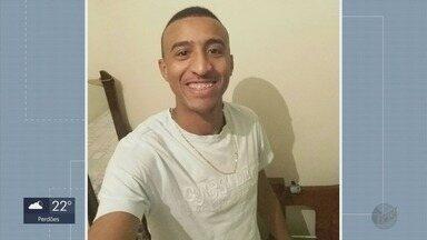Morador de Perdões morre atingido por tiros em carro em Cabo Frio (RJ) - Morador de Perdões morre atingido por tiros em carro em Cabo Frio (RJ)
