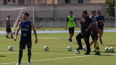Elenco alvinegro fala sobre o técnico Barroca no Botafogo - Elenco alvinegro fala sobre o técnico Barroca no Botafogo