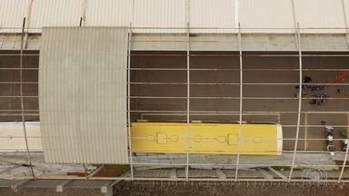 Chuva destelha Terminal das Bandeiras, em Goiânia - Local ficou totalmente sem cobertura.