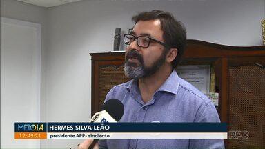 Governo do Paraná propõe que servidores abram mão de licença prêmio - Proposta é para que servidores possam receber reajuste salarial