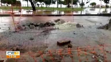 Chuva complica trecho em obra da Av. Beira-Mar de Fortaleza - Confira outras notícias no g1.com.br/ce