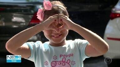 Garota transplantada recebe medicamento que estava em falta na Farmácia de Pernambuco - Outros remédios seguem faltando.