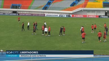 Os preparativos do Athletico para jogo pela Libertadores na Bolívia - Time rubro-negro faz reconhecimento do gramado onde enfrenta o Jorge Wilstermann.