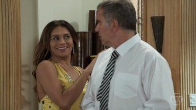Herculano questiona Janaína sobre sua presença no casamento de Quinzinho e Larissa - Larissa aparece na casa de Diego e pede para conversar com o rapaz