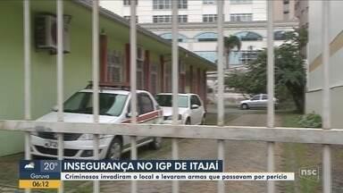 Criminosos invadem Instituto Geral de Perícias e furtam armas e equipamentos em Itajaí - Criminosos invadem Instituto Geral de Perícias e furtam armas e equipamentos em Itajaí
