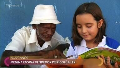 Criança de 9 anos ensina vendedor de picolé a ler - Professora flagrou a cena e divulgou um post sobre a empatia e a solidariedade de Bárbara