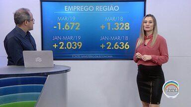 Economia fecha 1.672 empregos formais em março na região - O desempenho regional em março acompanhou os indicadores nacionais. Das cinco cidades que mais demitiram que contrataram, quatro são litorâneas.