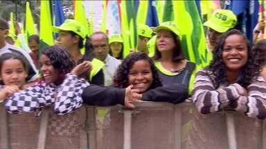 Festa do trabalhador lota o Anhangabaú - É a primeira vez que centrais sindicais se unem para celebrar a data.