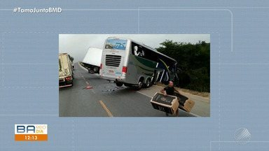 Ônibus que transportava jogadores do sub-15 do Bahia se envolve em acidente grave em MG - Duas pessoas morreram na batida entre um caminhão e o veículo que transportava a delegação do time baiano.