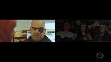 """Sessões de cinema de 'Vingadores' têm pedidos de casamento no RS - Dois gaúchos usaram a criatividade para pedirem suas namoradas em casamento antes do início do filme """"Vingadores: Ultimato"""". Noivos produziram trailers inspirados nos heróis."""