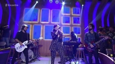 Pitty canta 'Equalize' - Confira