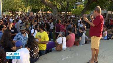 Grupo realiza protesto contra cortes de verbas da UFS - Ato aconteceu no Campus São Cristóvão.