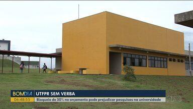 Corte de verba pode afetar a UTFPR, em Guarapuava - Bloqueio de 30% no orçamento pode prejudicar pesquisas na universidade.