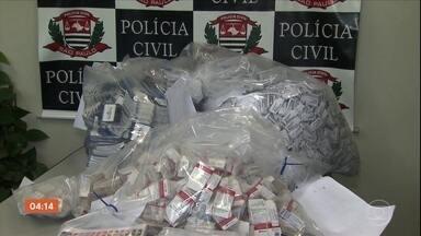 Homem é preso com mais de mil frascos de remédio controlado em Diadema, SP - A suspeita é que o produto, comprado na fronteira com o Paraguai, seja falsificado.