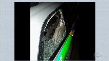 Policial fica ferida ao ser vítima de tentativa de assalto em Goiânia - Segundo PM, bandido tentou pegar a arma dela.