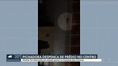 Mulher cai do quinto andar de um prédio durante pichação - A mulher, de 30 anos, foi levada em estado grave para o Hospital das Clínicas.
