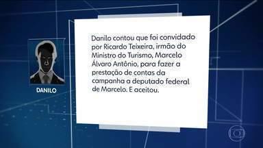 Contador de candidatas suspeitas diz que atuou a pedido de irmão do ministro do Turismo - Danilo Jomaso Vaz afirma que fez a prestação de contas de quatro candidatas do PSL, que foram derrotadas e são investigadas por suspeita de desvio de verba do fundo partidário.