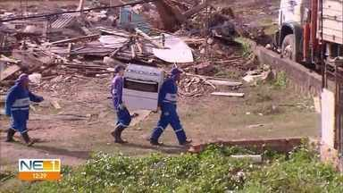 Famílias que invadiram terreno são retiradas para a construção de casas populares - Ação de reintegração de posse ocorreu em Jaboatão