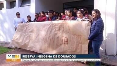 Com salários atrasados, trabalhadores da Sesai em MS fazem protesto nesta quinta-feira - Por conta do atraso, os quatro postos de saúde da Reserva Indígena de Dourados estão funcionando somente na parte da manhã.
