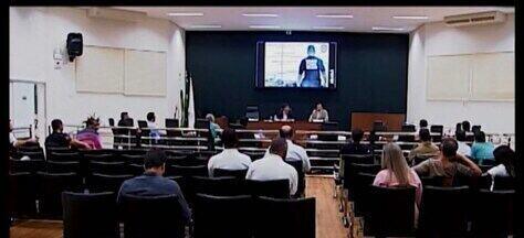 Audiência Pública debate problemas no trânsito em Araxá - Delegado de Trânsito apresentou números relacionados a colisões, multas e divulgou áreas onde ocorrem mais acidentes.
