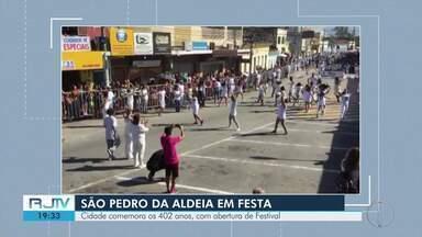 São Pedro da Aldeia comemora 402 anos com desfile e shows - Assista a seguir.