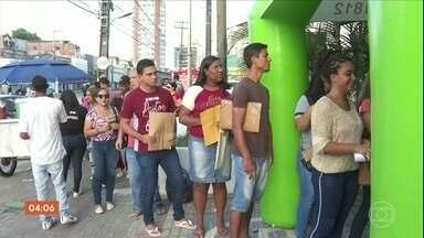 Um em cada quatro desempregados está buscando uma vaga há pelo menos dois anos - O número de desempregados no país aumentou para 13 milhões de pessoas. Quase 40% estão sem emprego há mais de um ano.