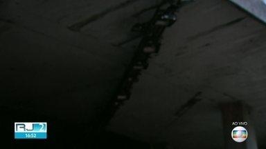 Após desabamento, estrutura de luz treme em túnel e deixa pessoas no local em alerta - A estrutura da galeria Rafael Mascarenhas tremeu por toda a sua extensão nesta tarde de sexta-feira (17).