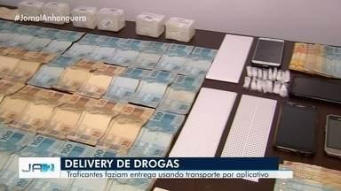 Nove pessoas são presas suspeitas de fazer 'delivery' de drogas por app de transportes - Operação também apreendeu drogas, veículos e cerca de R$ 45 mil. Segundo a polícia, esquema contava com gerente que repassava contatos de usuários para traficantes.