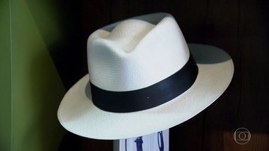 Chapéu Panamá, produzido no Equador, pode chegar a R$ 10 mil - Chapéus da tradição equatoriana ficaram famosos na época da construção do Canal do Panamá, onde eram vendidos. A palha vem da palmeira 'toquilla'. As folhas começaram a ser usadas para fazer chapéus ainda no século XVII.