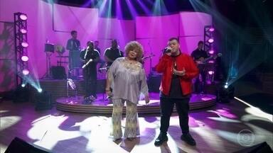 """Alcione e Ferrugem cantam """"Paciência"""" - Bial recebe os artistas para um bom papo embalado pelo samba"""