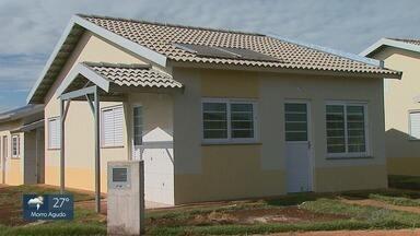 Moradores ganham 300 casas populares em Cruz das Posses, SP - Ao todo, 1,8 mil pessoas se inscreveram para o sorteio, que aconteceu na manhã deste sábado (18) no distrito de Sertãozinho (SP).