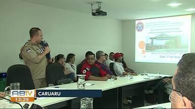 Sulanqueiros atingidos pelo incêndio recebem dinheiro da Prefeitura de Caruaru - Verba é para ajudar na recuperação dos bens perdidos.