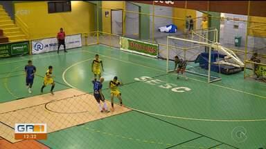 Preparação intensa dos finalistas da categoria sub-17 da 23ª Copa TV Grande Rio de Futsal - A final acontece neste sábado (18).