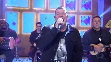 Ferrugem canta 'Pirata e Tesouro' - Confira