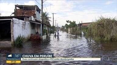 Centenas de pessoas estão desabrigadas por causa da chuva, em Peruíbe - Ruas continuam alagadas e cerca de 350 pessoas estão desabrigadas.