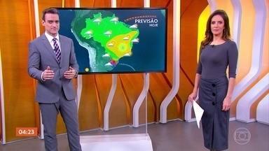 Previsão alerta para mais um dia seco em grande parte do Sudeste nesta quarta (22) - Praticamente todo o Sudeste vai ter mais um dia de tempo firme com ar bem seco. Essa condição afeta também parte do Centro-Oeste e interior do Nordeste. A meteorologia prevê chuva para o oeste de Santa Catarina e norte do Rio Grande do Sul.