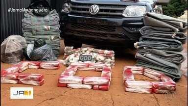 Mais de 200 quilos de maconha são apreendidos em Perolândia, Goiás - Além dessa apreensão, outros 60 quilos foram encontrados em fundo falso de carro na GO-302, em Jataí.