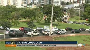 Semáforos da rua Maringá continuam sem funcionar - Um caminhão bateu em postes ontem o que causou a pane nos semáforos.