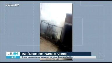 Incêndio em casa no bairro do Parque Verde deixa dois feridos, em Belém - As chamas atingiram uma residência de dois cômodos. O espaço foi totalmente consumido pelo fogo,